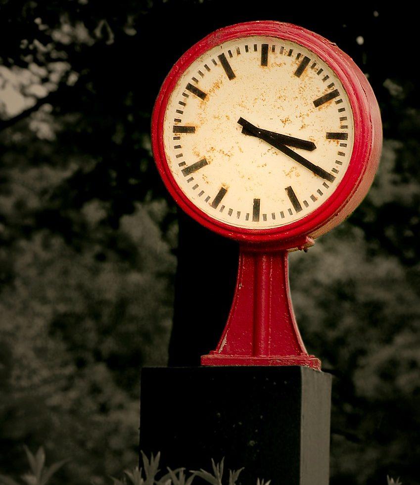 clock-649404_1280
